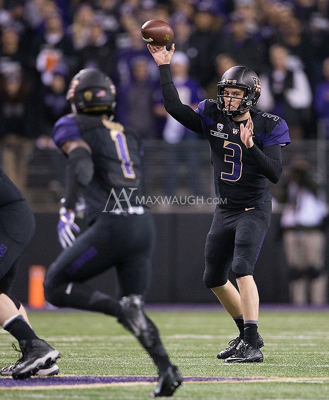 Jake Browning looks for John Ross.