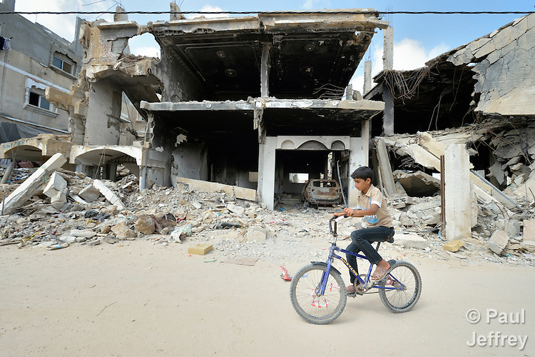 Life amid the ruins of Gaza | KairosPhotos - Images by Paul Jeffrey