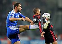 FUSSBALL   CHAMPIONS LEAGUE   SAISON 2011/2012   GRUPPENPHASE Bayer 04 Leverkusen - FC Chelsea    23.11.2011 Branislav IVANOVIC (li, Chelsea) gegen Sidney SAM (re, Leverkusen)