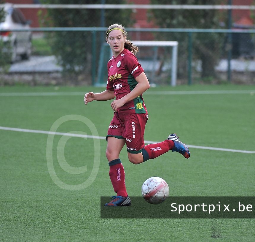 Dames Zulte Waregem - WB Sinaai Girls : Sheryl Merchiers<br /> foto David Catry / VDB