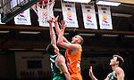 S&ouml;dert&auml;lje 2014-10-01 Basket Basketligan S&ouml;dert&auml;lje Kings - Norrk&ouml;ping Dolphins :  <br /> Norrk&ouml;ping Dolphins Joakim Kjellbom p&aring; v&auml;g att g&ouml;ra nog i matchen mot S&ouml;dert&auml;lje Kings <br /> (Foto: Kenta J&ouml;nsson) Nyckelord:  S&ouml;dert&auml;lje Kings SBBK T&auml;ljehallen Norrk&ouml;ping Dolphins
