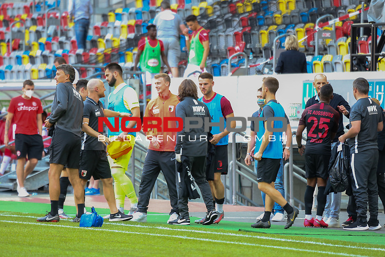 Spielende<br /><br />1. Fussball Bundesliga 33. Spieltag - Fortuna Duesseldorf vs. FC Augsburg 20.06.2020 - <br /><br />(Foto: Sebastian Sendlak / wave.inc/POOL/ via Meuter/Nordphoto)<br /><br />DFL regulations prohibit any use of photographs as image sequences and/or quasi-videos.<br /><br />EDITORIAL USE ONLY<br /><br />National and international News-Agencys OUT.