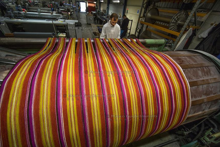 Macchina per tessitura, filato multicolore Bute tartan mills