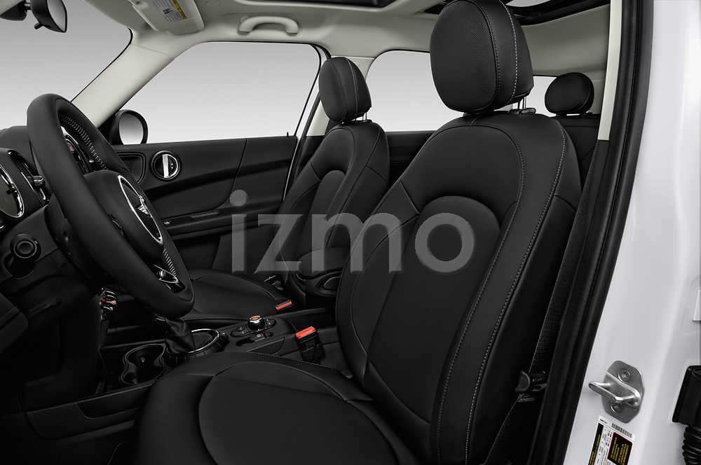 Front seat view of 2017 MINI Countryman 5-Door 5 Door Hatchback Front Seat  car photos