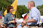 Actress and author Janine Turner speaks with Glenn Beck on stage in front of the Alamo, Wednesday, April 15, 2009, in San Antonio. (Darren Abate/pressphotointl.com)