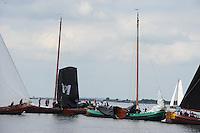 SKUTSJESILEN: LEMMER: Baai van Lemmer, 30-05-2014, Lemmer Ahoy, Aanvaring tussen de skûtsjes de Sneker Pan en de zes gebroeders uit Makkum, beide staken de strijd, ©foto Martin de Jong