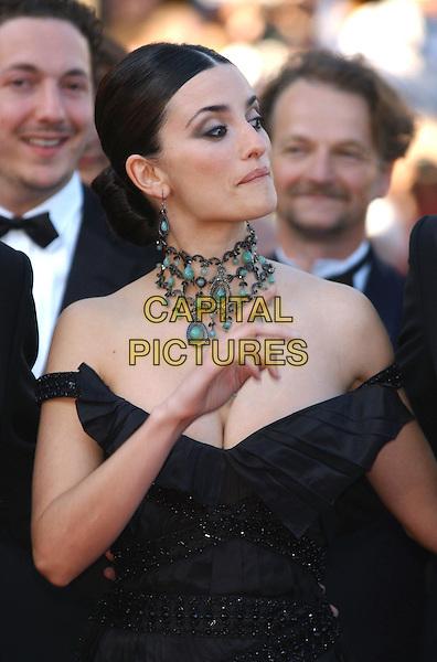 """PENELOPE CRUZ.arrivals at opening film.""""Fanfan la Tulipe"""".Cannes Film Festival 2003.www.capitalpictures.com.sales@capitalpictures.com.©Capital Pictures.funny"""