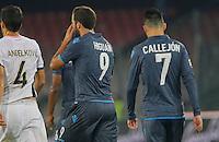 Gonzalo Higuain   Jose Callejon  escono dal campo a fine l'incontro  di calco d Seriden A  tra SSC Napoli e US Palermo    allo stadio San Paolo di Napoli , 24 Settembre  2014