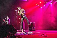 ATENCAO EDITOR FOTO EMBARGADA PARA VEICULOS INTERNACIONAIS. - SAO PAULO, SP, 10 DE NOVEMBRO DE 2012 - SHOW NEVER SHOUT NEVER EM SAO PAULO, A banda Never Shout Never durante apresentacao no Credicard Hall na regiao sul da capital paulista, neste sabado, 10. FOTO ANDREIA TAKAISHI BRAZIL PHOTO PRESS.