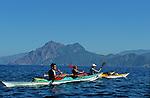 Descente des côtes corses (calanques de Piana vers Porto ). Raid de 10 jours en kayak  de mer en bivouaquant sur les plages. Corse (côte ouest). France..