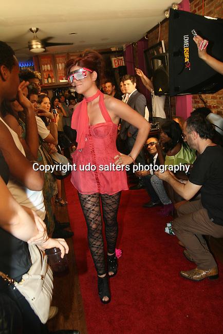 Pamela Quinzi Fashion Show Presented by Pamela Quinzi & Eya BeGood Held at Lima's Taste, 6/19/10