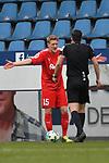 10.03.2018, Vonovia Ruhrstadion, Bochum, GER, 2.FBL., VfL Bochum vs. Holstein Kiel<br /> im Bild / picture shows: <br /> Johannes van den Bergh (Holstein Kiel #15), beschwert sich bei Schiedsrichter, referee, Florian Badst&uuml;bner (SR)<br /> <br /> <br /> <br /> Foto &copy; nordphoto / Meuter
