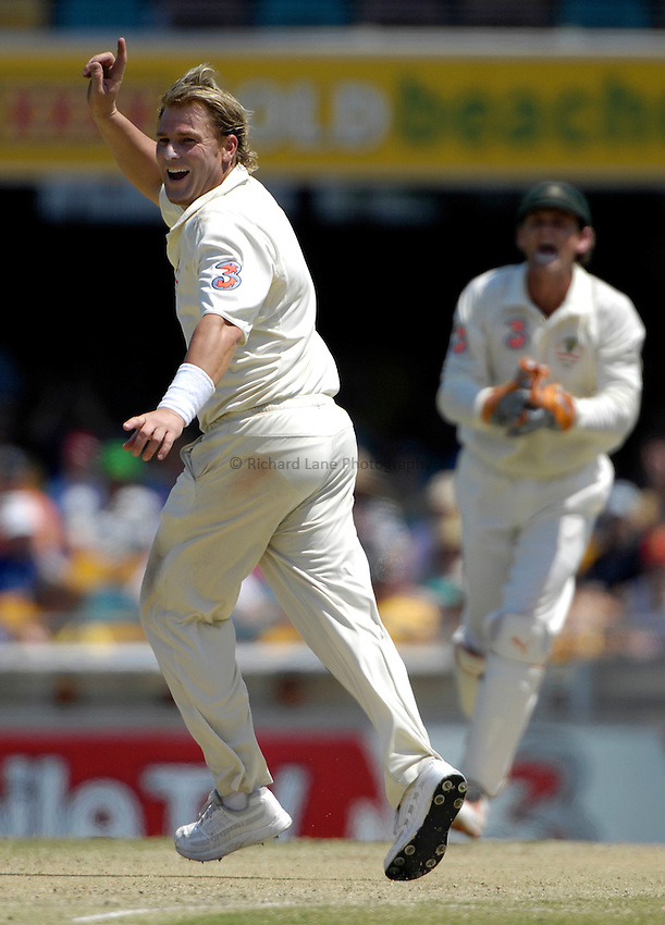 Photo: Steve Holland..Australia v England. 3 mobile Test Series, The Ashes 2006/07, 1st Test. 26/11/2006..Australia's Shane Warne gets the wicket of Alastair Cook.