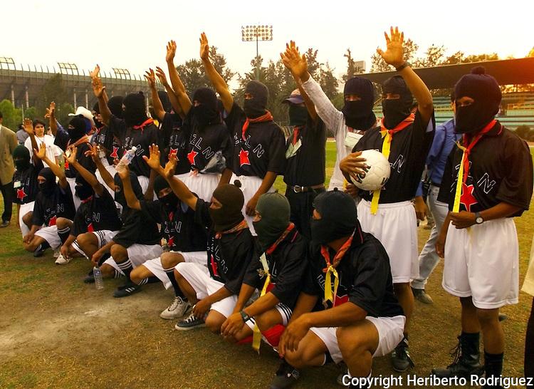 1111 Zapatistas. Photo by Heriberto Rodriguez