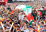 17.06.2018, Strasse des 17. Juni, Berlin, GER, WM-Fanmeile,UEFA WM 2018, Spiel Deutschland (GER) vs Mexico (MEX) im Bild Fanmeile anlasslich des ersten Gruppenspiels der Deutschen gegen Mexico in Berlin, Stra&szlig;e des 17. Juni  <br /> <br /> <br />      <br /> Foto &copy; nordphoto / Engler