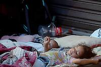 SÃO PAULO, SP,06 FEVEREIRO 2012-Sem Teto. Movimento no acampamento na Av Sao Joao com Rua Dom Jose de Barros. no centro de Sao Paulo (FOTO: ADRIANO LIMA - NEWS FREE).