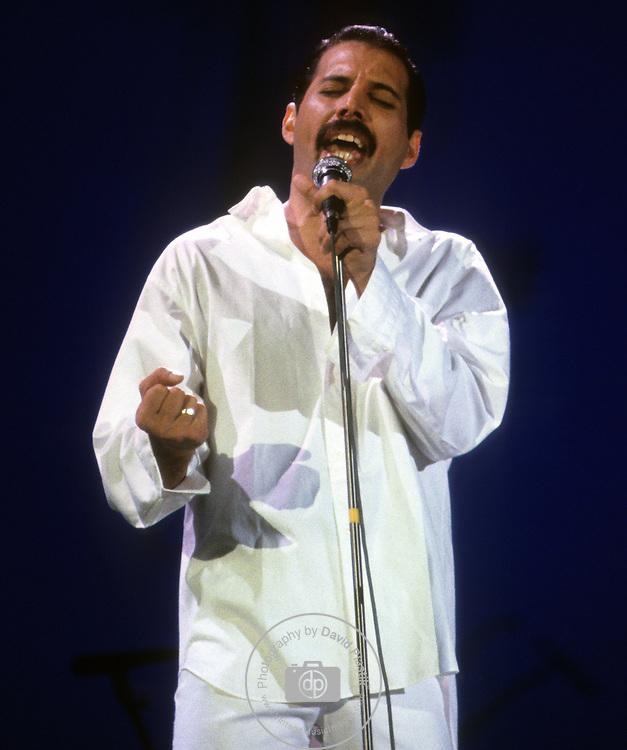 Freddie Mercury, Queen, Live Aid, 1985 Queen , Live Aid 1985 Wembley Stadium