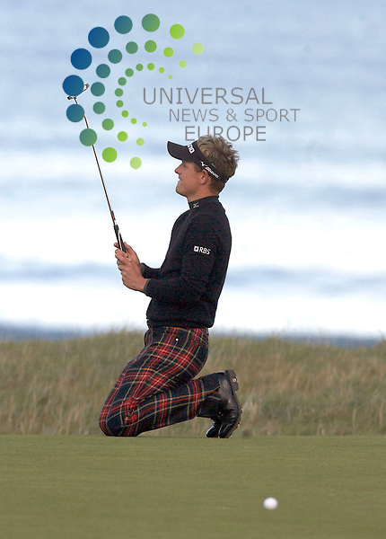 The Alfred Dunhill Golf Championship 2009 at The Old Course, St Andrews, Kingsbarns and Carnoustie.. . Overnight leader Luke Donald at 18 misses the putt and you can see what it means to him   during the Gale-Force Delayed Third  Round of the Alfred Dunhill Golf Championship...Picture by Mark Davison/ Universal News & Sport