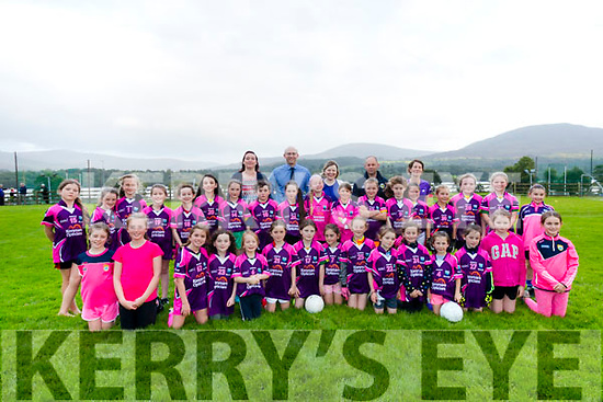 U10 Girls sponsored jerseys from Kenmare Optician - Geoffrey Meynet.<br /> Also pictured with the team Ethel Killington-Meynet, Antoinette O'Shea and Norma O'Connor.