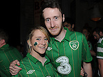 Andrew and Aoife McDonagh cheering on Ireland at Wm Kearns. Photo: Colin Bell/pressphotos.ie