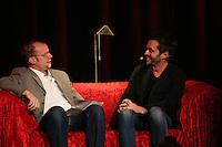 Moderator Christian Gude mit Autor Joe Fischler