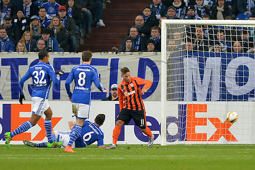 25.02.2016. Gelsenkirchen, Germany. Europa League Round of 32 Second Leg soccer match between Schalke 04 and FC Shakhtar Donetsk in the Veltins Arena in Gelsenkirchen, Germany. Donetsk goal for 0:1 from Marl( Donezk )