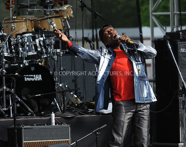WWW.ACEPIXS.COM . . . . . ....April 25 2010, Washington DC....Singer Jimmy Cliff performing at the Climate Rally on the National Mall on April 25, 2010 in Washington, DC. ....Please byline: KRISTIN CALLAHAN - ACEPIXS.COM.. . . . . . ..Ace Pictures, Inc:  ..(212) 243-8787 or (646) 679 0430..e-mail: picturedesk@acepixs.com..web: http://www.acepixs.com