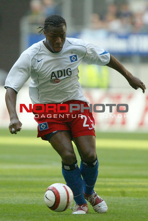 UI-Cup Rueckspiel ( R&not;łckspiel )<br /> <br /> Hamburger SV vs FC Thun<br /> <br /> Aktion Emile Mpenza<br /> <br /> Foto &not;&copy; nordphoto - Anja Heinemann<br /> <br /> <br /> <br /> <br /> <br /> <br /> <br />  *** Local Caption *** Foto ist honorarpflichtig! zzgl. gesetzl. MwSt.<br /> <br /> <br /> <br /> Belegexemplar erforderlich<br /> <br /> <br /> <br /> Adresse: nordphoto<br /> <br /> <br /> <br /> Georg-Reinke-Strasse 1<br /> <br /> <br /> <br /> 49377 Vechta