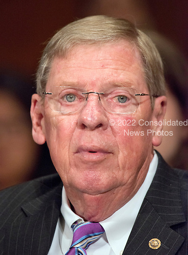 United States Senator Johnny Isakson (Republican of Georgia) makes remarks introducing US Representative Dr. Tom Price (Republican of Georgia) before he testifies before the US Senate Committee on Health, Education, Labor and Pensions on his nomination to serve as US Secretary of Health and Human Services on Capitol Hill in Washington, DC on Wednesday, January 18, 2017.<br /> Credit: Ron Sachs / CNP