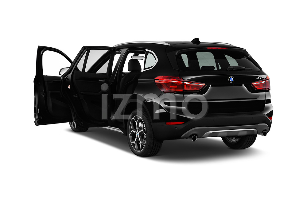 Car images close up view of a 2018 BMW X1 xDrive28i 5 Door SUV doors