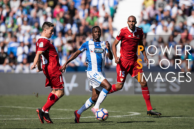 Kone of Deportivo Leganes fights the ball with Samir Nasri and N'Zonzi of Sevilla FC during their La Liga match between Deportivo Leganes and Sevilla FC at the Butarque Municipal Stadium on 15 October 2016 in Madrid, Spain. Photo by Diego Gonzalez Souto / Power Sport Images