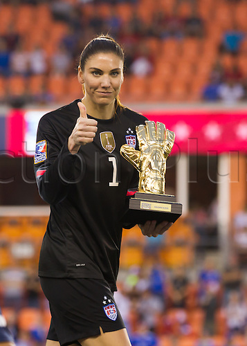 21.02.2016. Houston, TX, USA.  USA Goalkeeper Hope Solo (1) won the Golden Glove award during the Women's Olympic qualifying soccer final match between Canada and USA at BBVA Compass Stadium in Houston, Texas.