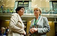 Berlin, Die Ministerpräsidentin von Thüringen, Christine Lieberknecht(CDU, l.), und die Ministerpräsidentin von Nordrhein-Westfalen, Hannelore Kraft (SPD) am Freitag (07.06.13) im Bundesrat. Foto: Steffi Loos/CommonLens