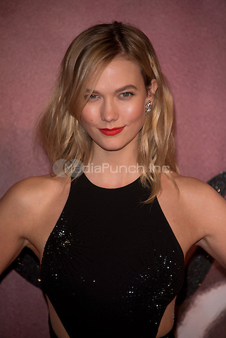 Karlie Kloss<br /> The Fashion Awards 2016 , arrivals at the Royal Albert Hall, London, England on December 05 2016.<br /> CAP/PL<br /> ©Phil Loftus/Capital Pictures /MediaPunch ***NORTH AND SOUTH AMERICAS ONLY***