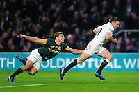 George Ford of England gets past opposite number Patrick Lambie of South Africa. Old Mutual Wealth Series International match between England and South Africa on November 12, 2016 at Twickenham Stadium in London, England. Photo by: Patrick Khachfe / Onside Images