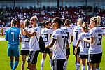 31.08.2019, Auestadion, Kassel, GER, DFB Frauen, EM Qualifikation, Deutschland vs Montenegro , DFB REGULATIONS PROHIBIT ANY USE OF PHOTOGRAPHS AS IMAGE SEQUENCES AND/OR QUASI-VIDEO<br /> <br /> im Bild | picture shows:<br /> Alexandra Popp (DFB Frauen #11) und ihr Team bedanken sich fuer die Unterstuetzung, <br /> <br /> Foto © nordphoto / Rauch