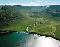 Staður, Bær, Vatnadalur, Suðureyrarhreppur, loftmynd..Stadur, Baer, Vatnadalur, Sudureyrarhreppur, aerial.
