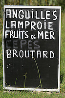 France, Aquitaine, Pyrénées-Atlantiques, Pays Basque, Vallée de l'Adour: Menu d'un restaurant  //  France, Pyrenees Atlantiques, Basque Country,  Adour valley:  Restaurant menu