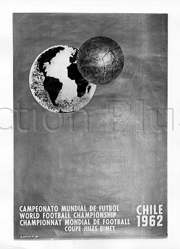 The archived game program  of 24.6.1961 shows the design of a poster that becomes the graphic for the 1962  Chilean Wold Cup.  It shows a football and the earth ball together