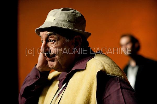 Theatre company De Alsembloem playing Dwazen from Neil Simon, directed by Hendrik Van Eycken (Belgium, 17/03/2010)
