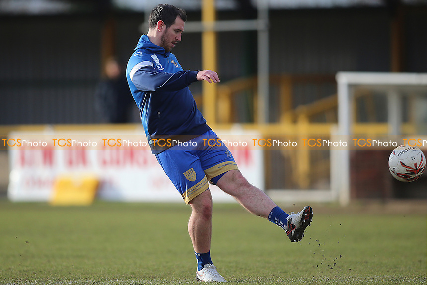 Nick Reynolds of Romford warms up during Romford vs Cheshunt, Ryman League Division 1 North Football at Ship Lane on 28th January 2017
