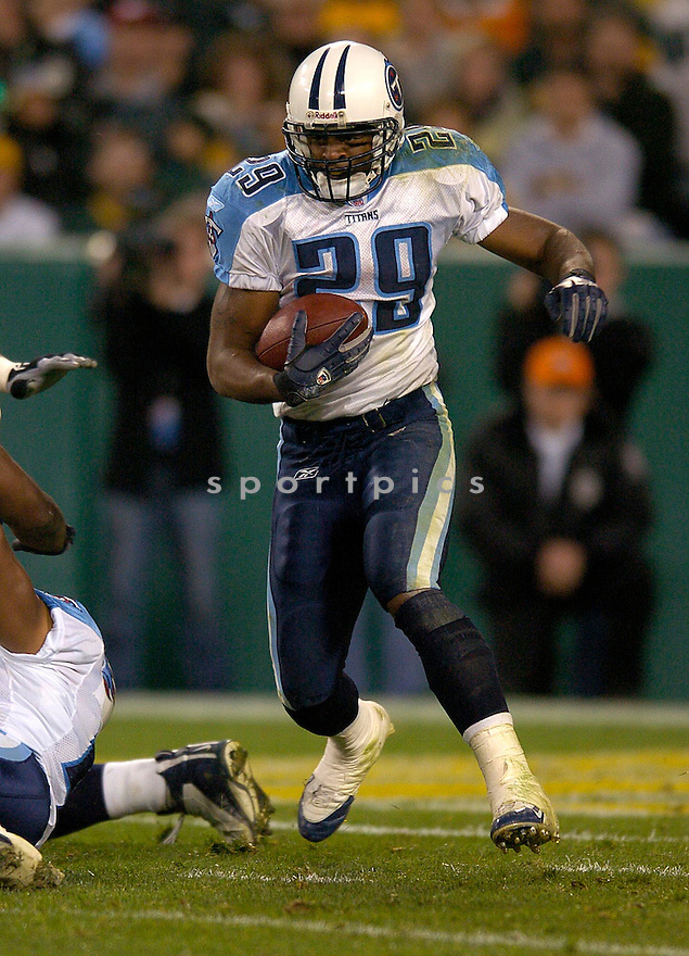 Chris Brown durng the Titans v. Packers game on October 11, 2004...Titans win 48-27..Chris Bernacchi / SportPics