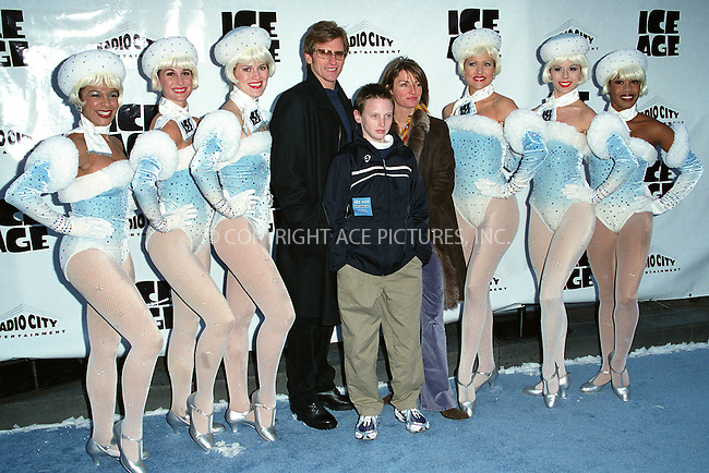 "Actor and comedian DENIS LEARY with his wife ANN LEMBECK and their son attend the world premiere of ""Ice Age"" at the Radio City Music Hall in New York. March 10, 2002. © 2002 by Alecsey Boldeskul/NY Photo Press.   ..*PAY-PER-USE*      ....NY Photo Press:  ..phone (646) 267-6913;   ..e-mail: info@nyphotopress.com"