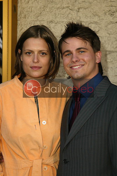Marianna Palka and Jason Ritter<br /> at the Los Angeles Premiere of &quot;Happy Endings&quot; at Mann National Theater, Westwood, CA 06-26-05<br /> David Edwards/DailyCeleb.Com 818-249-4998
