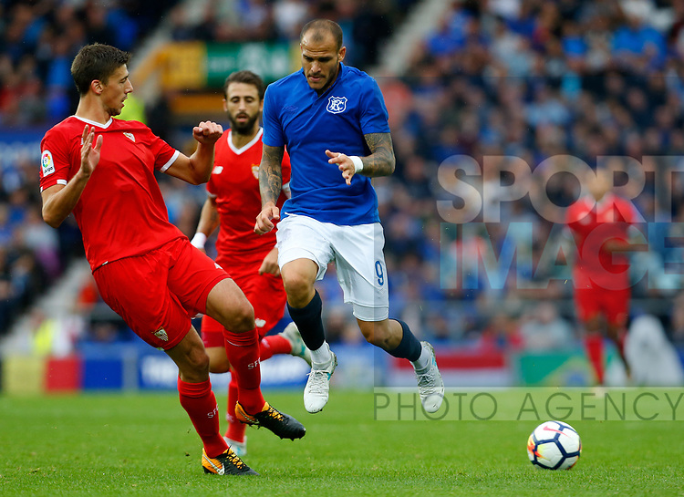 Everton's Sandro Ramírez (C) in action during the pre season friendly match at Goodison Park Stadium, Liverpool. Picture date 6th August 2017. Picture credit should read: Paul Thomas/Sportimage