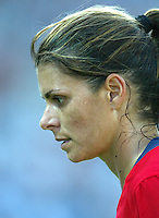 14 August 2004:   USA Mia Hamm in action against Brazil at Kaftanzoglio Stadium in Thessaloniki, Greece.   USA defeated Brazil, 2-0. Credit: Michael Pimentel / ISI