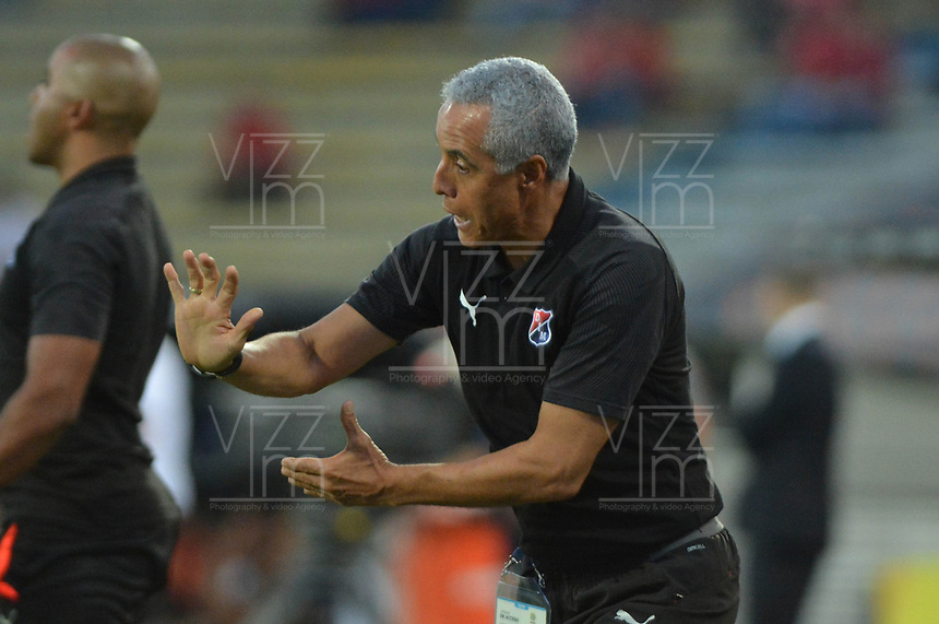MEDELLÍN - COLOMBIA .22-08-2019:Alexis Mendoza ,director técnico del Independiente Medellín.Acción de juego entre los equipos Independiente Medellín y Águilas Doradas durante partido por la fecha 7 de la Liga Águila II 2019 jugado en el estadio Atanasio Girardot de la ciudad de Medellín. /Alexis Mendoza coach of Independente Medellin.Action game between  Independiente Medellin  and Aguilas Doradas during the match for the date 7 of the Liga Aguila II 2019 played at the Atanasio Girardot  Stadium in Medellin  city. Photo: VizzorImage /León Monsalve / Contribuidor.