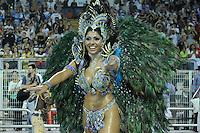 SAO PAULO, SP, 19 DE FEVEREIRO 2012 - CARNAVAL SP -  NENE DE VILA MATILDE - Rainha da Bateria Deborah Caetano durante desfile da escola de samba Nene de Vila Matilde na terceira noite do Carnaval 2012 de São Paulo, no Sambódromo do Anhembi, na zona norte da cidade, neste domingo. (FOTO: LEVI BIANCO  - BRAZIL PHOTO PRESS).