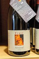 Rotweinwanderweg, Verkauf von  fränkischem Rotwein (Weingut Fürst), Miltenberg in Unterfranken, Bayern, Deutschland