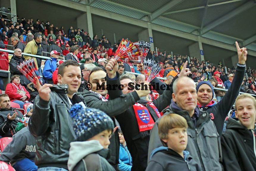Eintracht Fans im Mainzer Fanblock - 1. FSV Mainz 05 vs. Eintracht Frankfurt, Coface Arena, 12. Spieltag